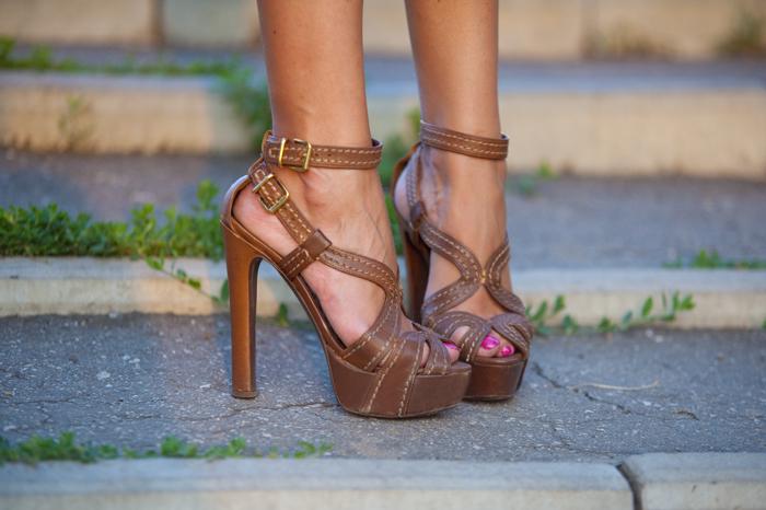 Фут фетиш, ножки женски. Женские ножки фото.