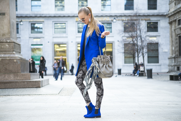 thecablook fashion blog darya kamalova street style alexander wang diego bucket grey bag asos cobalt coat sheinside barocco pants zara silver sweater cooee earings scull scarf choies booties giant vintage sunies-20