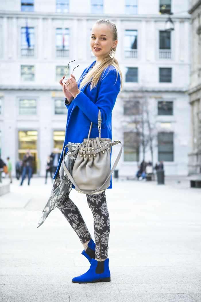 thecablook fashion blog darya kamalova street style alexander wang diego bucket grey bag asos cobalt coat sheinside barocco pants zara silver sweater cooee earings scull scarf choies booties giant vintage sunies-25