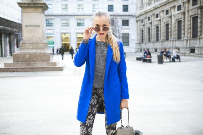 thecablook fashion blog darya kamalova street style alexander wang diego bucket grey bag asos cobalt coat sheinside barocco pants zara silver sweater cooee earings scull scarf choies booties giant vintage sunies-32