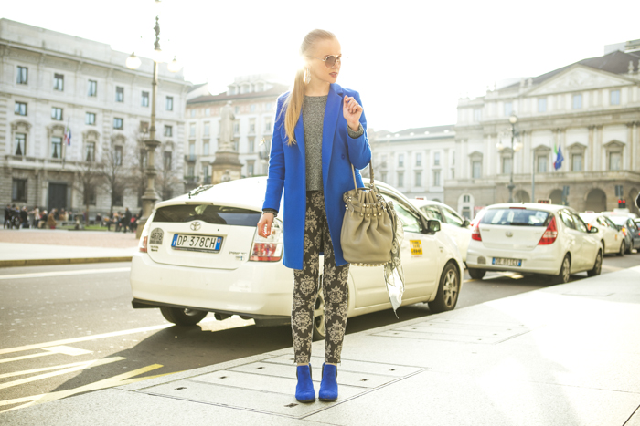 thecablook fashion blog darya kamalova street style alexander wang diego bucket grey bag asos cobalt coat sheinside barocco pants zara silver sweater cooee earings scull scarf choies booties giant vintage sunies-67