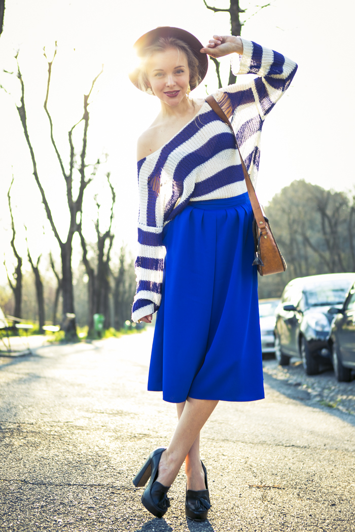 thecablook fashion blog darya kamalova street fashion asos cobalt blue electric culottes sheinside sweater hm camel hat ziba earings topshop black heels vintage leather bag vj style ring-13