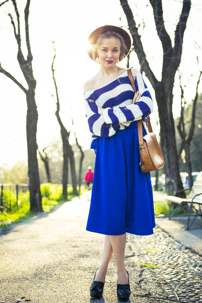 thecablook fashion blog darya kamalova street fashion asos cobalt blue electric culottes sheinside sweater hm camel hat ziba earings topshop black heels vintage leather bag vj style ring-24