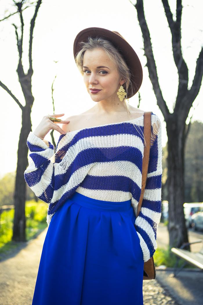 thecablook fashion blog darya kamalova street fashion asos cobalt blue electric culottes sheinside sweater hm camel hat ziba earings topshop black heels vintage leather bag vj style ring-40