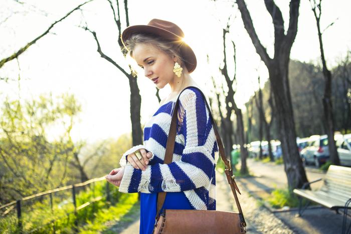 thecablook fashion blog darya kamalova street fashion asos cobalt blue electric culottes sheinside sweater hm camel hat ziba earings topshop black heels vintage leather bag vj style ring-41