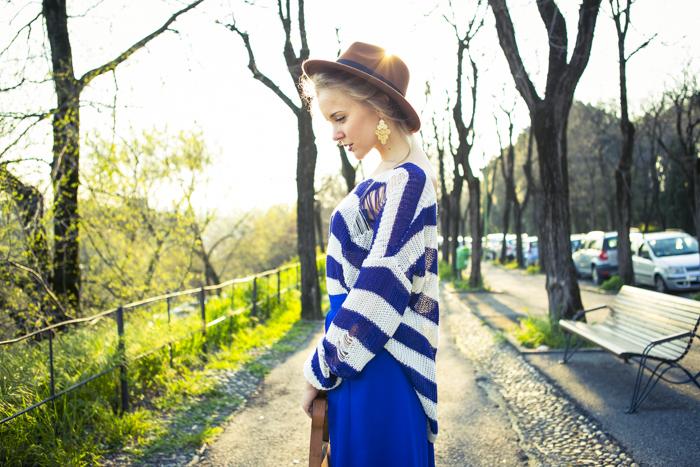 thecablook fashion blog darya kamalova street fashion asos cobalt blue electric culottes sheinside sweater hm camel hat ziba earings topshop black heels vintage leather bag vj style ring-46