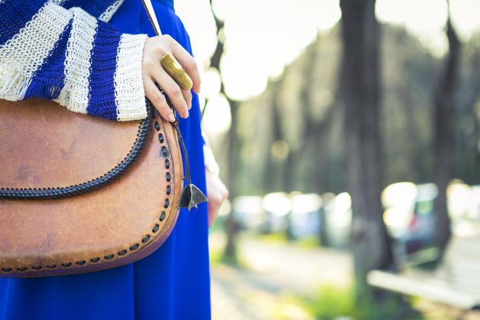 thecablook fashion blog darya kamalova street fashion asos cobalt blue electric culottes sheinside sweater hm camel hat ziba earings topshop black heels vintage leather bag vj style ring-50