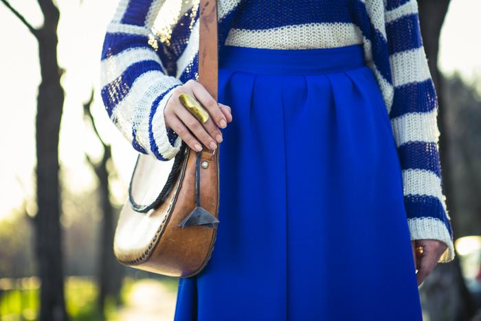 thecablook fashion blog darya kamalova street fashion asos cobalt blue electric culottes sheinside sweater hm camel hat ziba earings topshop black heels vintage leather bag vj style ring-52
