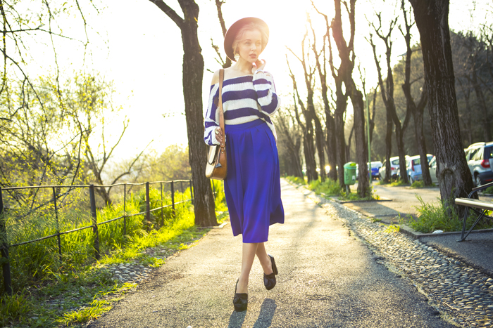 thecablook fashion blog darya kamalova street fashion asos cobalt blue electric culottes sheinside sweater hm camel hat ziba earings topshop black heels vintage leather bag vj style ring-59