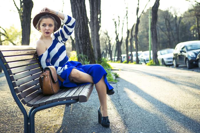 thecablook fashion blog darya kamalova street fashion asos cobalt blue electric culottes sheinside sweater hm camel hat ziba earings topshop black heels vintage leather bag vj style ring