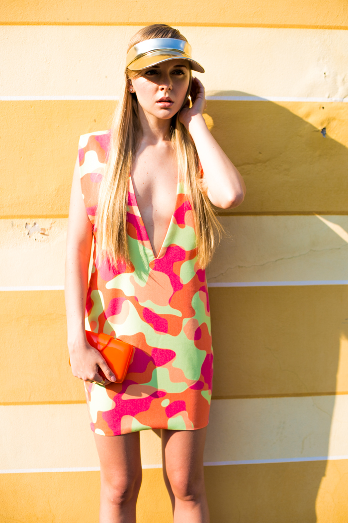 thecablook darya kamalova fashion blog street style aqua by aqua dress camo visor cap other stories topshop heels coral orange asos perpex clutch backstage rings_-23