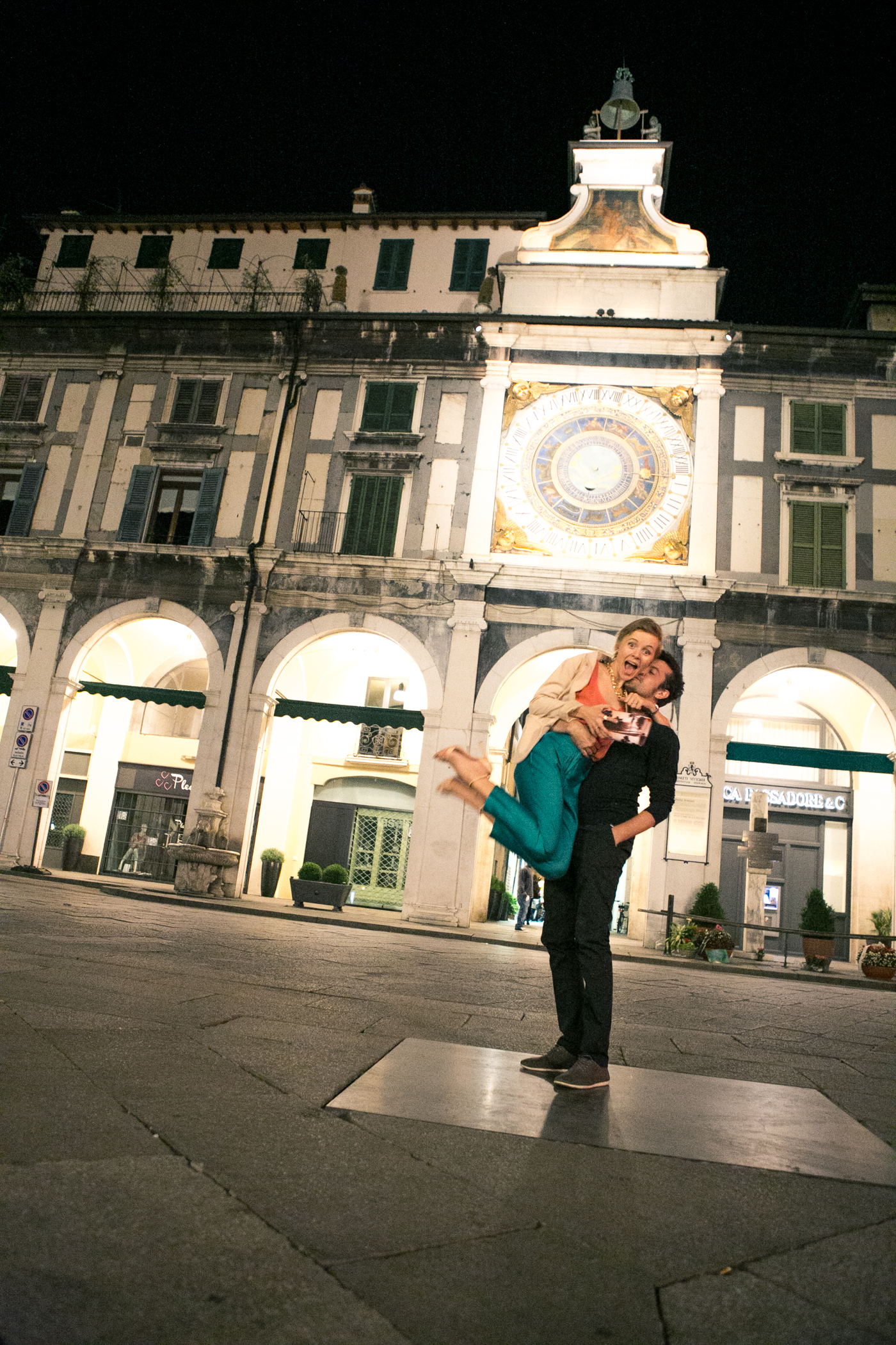 thecablook darya kamalova fashion blog street style asos pants hm top coral beige jacket zara heels brescia at night franco bar piazza duomo-53