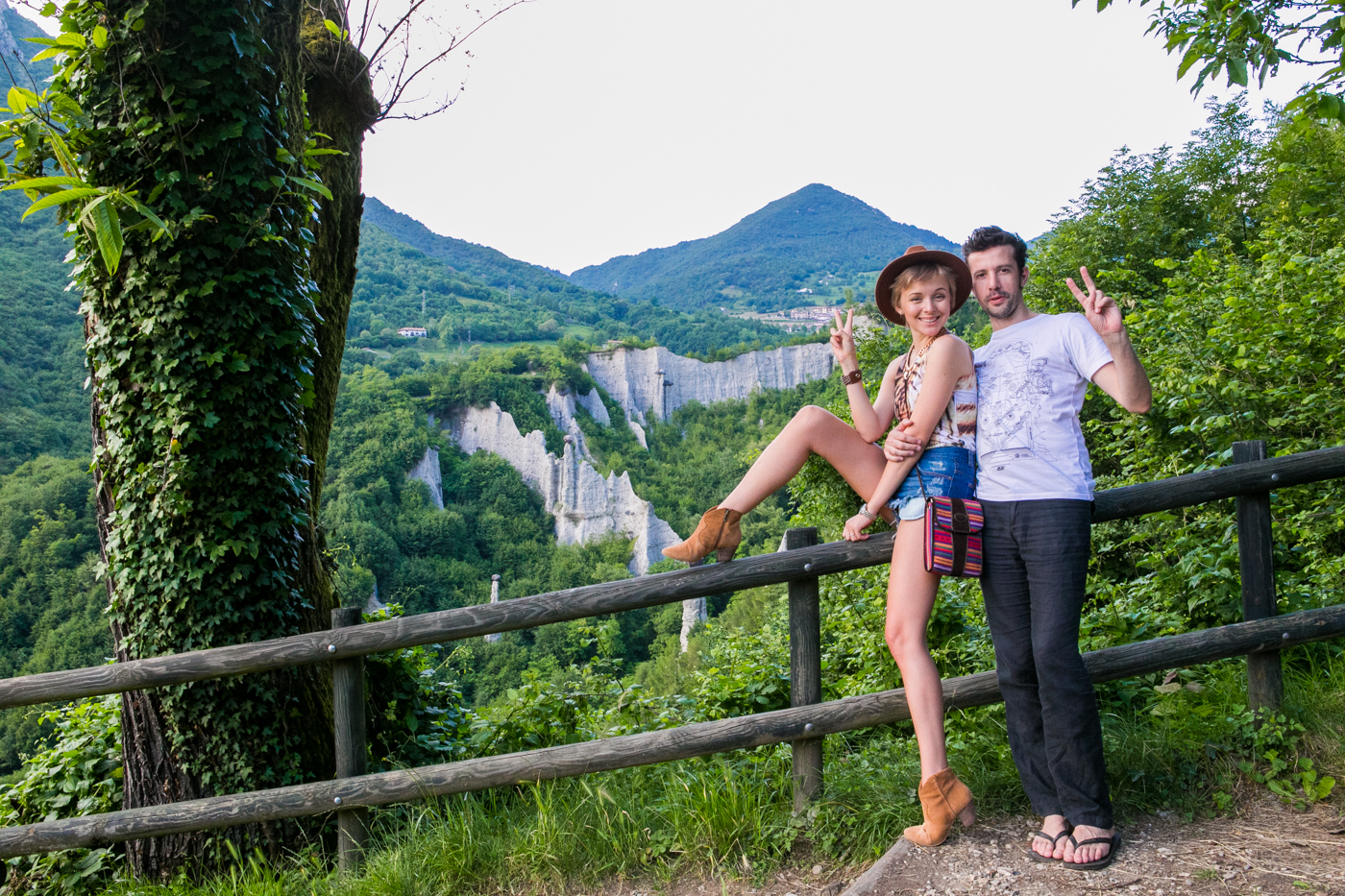 thecablook darya kamalova fashion blog street style denim shorts ash booties hm hat iseo lake piramidi di zona brescia-140
