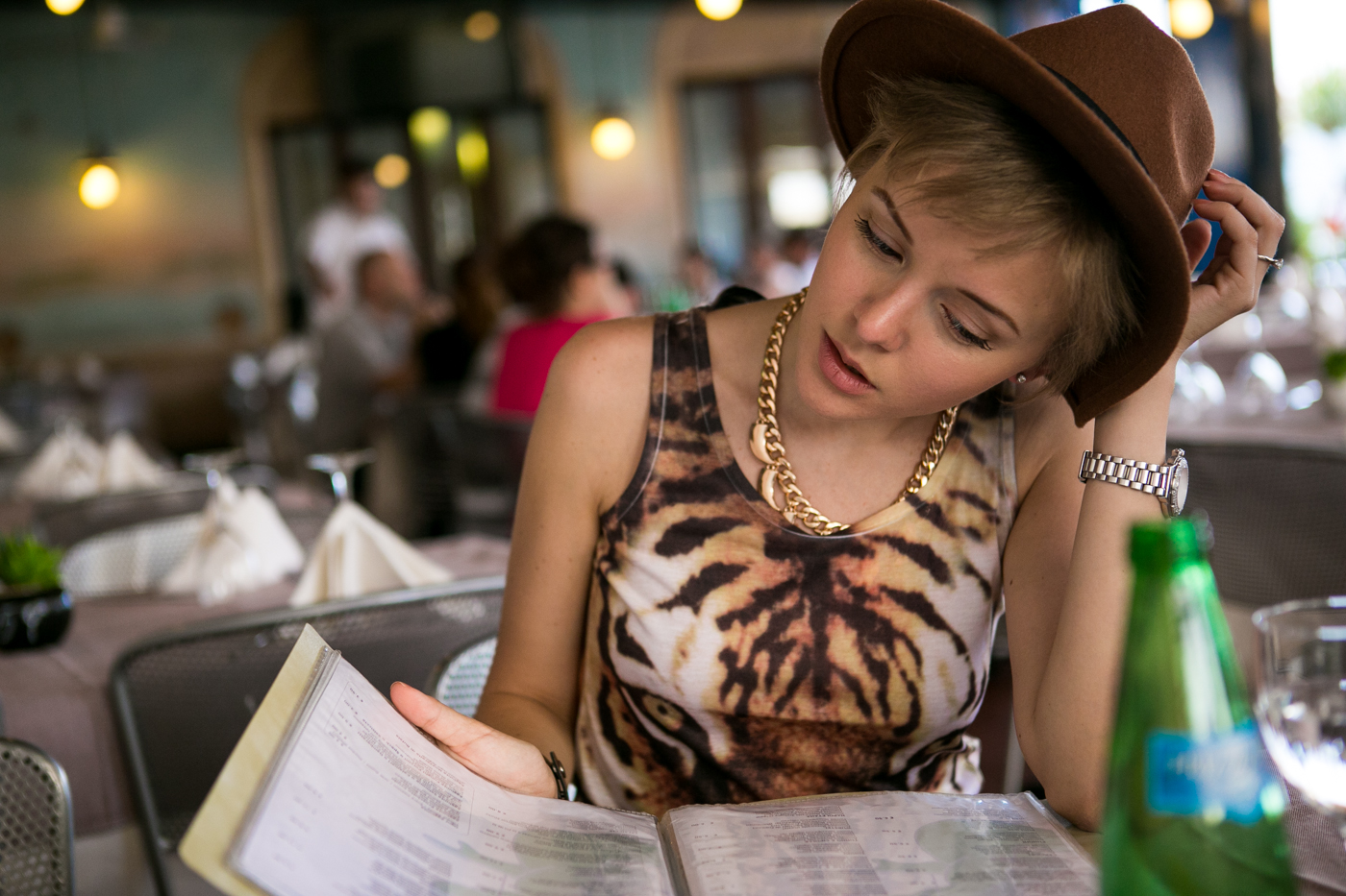 thecablook darya kamalova fashion blog street style denim shorts ash booties hm hat iseo lake piramidi di zona brescia-34