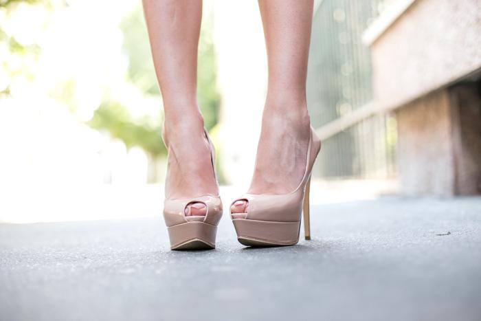 thecablook darya kamalova fashion blog street style trend aqua by aqua peplum skirt fuchsia flomingo top asos nando muzzi heels marc jacobs bracelet zara transparent clutch-49