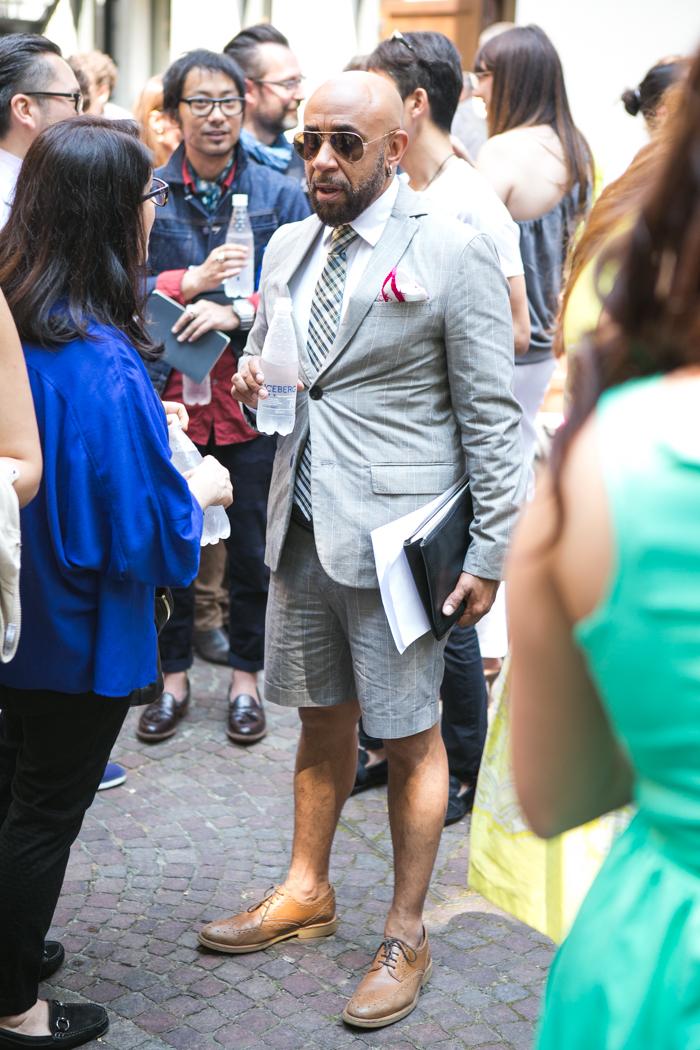 thecablook darya kamalova fashion blog street style trend aqua by aqua peplum skirt fuchsia flomingo top asos nando muzzi heels marc jacobs bracelet zara transparent clutch-8