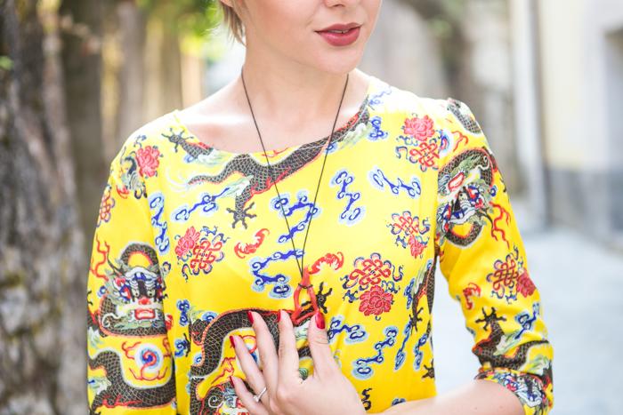 thecablook darya kamalova fashion blog street  style choice suit dragon asos pom pom wedges black clutch coral necklace swarovski bracelet-54