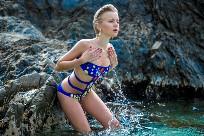 thecablook darya kamalova fashion blog street style monterosso al mare cinqueterre asos swimming suit beach shooting pixie pixie haircut blonde-28