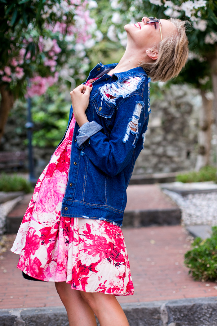 thecablook darya kamalova fashion blog street style monterosso al mare cinqueterre italy sheinside flower silk dress romwe ripped denim jacket steven red heels vintage black leather bag pixie haircut short hair-30