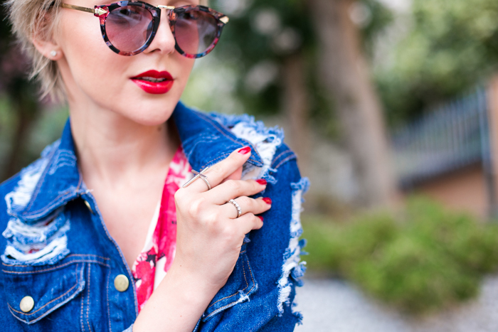 thecablook darya kamalova fashion blog street style monterosso al mare cinqueterre italy sheinside flower silk dress romwe ripped denim jacket steven red heels vintage black leather bag pixie haircut short hair-46