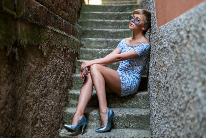 thecablook darya kamalova fashion blog street style motel rocks dress topshop heels zara transparent clutch giant vintage blue sunnies-2