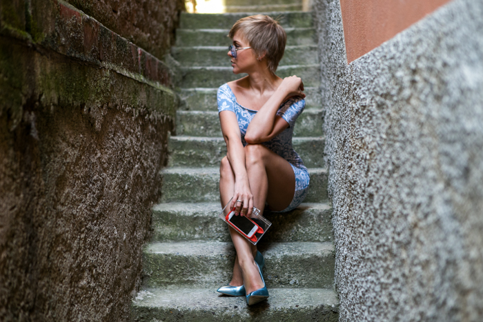 thecablook darya kamalova fashion blog street style motel rocks dress topshop heels zara transparent clutch giant vintage blue sunnies-3
