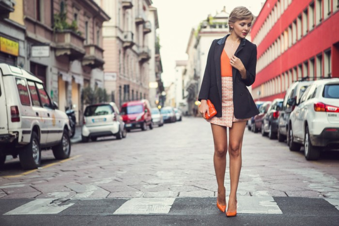 darya kamalova thecablook com fashion blog guess milan project sexy without question guess jeans asos skirt aqua by aqua body orange black jacket casadei heels shlomit ofir necklace perpex plastic clutch-9 копия