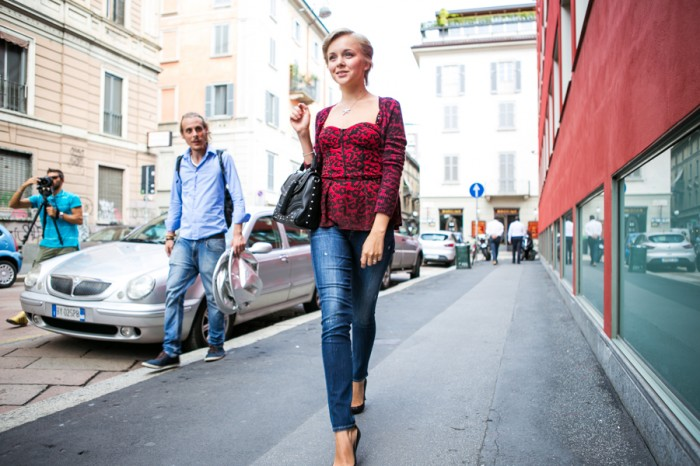 darya kamalova thecablook com fashion blog guess milan project sexy without question guess jeans jumpsuit guess jeans heels peplum top leoprd red cardigan bag guess-17