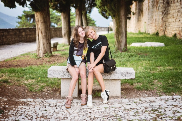 darya kamalova thecablook com fashion blog street style leather shorts reason aint laurent t shirt proenza schouler ps11 bag brescia castel view freinds friendship marina chistova-31 копия