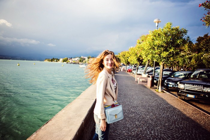 darya kamalova thecablook com fashion blog street style leather shorts reason aint laurent t shirt proenza schouler ps11 bag sirmione garda lake lago brescia centre centro view freinds friendship marina chistova-19 копия