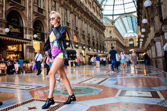 darya kamalova thecablook com fashion blog street style pixie hair cut blonde vipi creation bershka cut out boots leather shorts mr gugu top rip diet proenza schouler ps11 black bag leather jacket baldinini view friendship outfit-17 копия