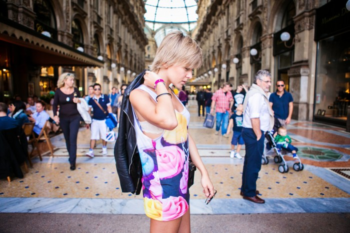 darya kamalova thecablook com fashion blog street style pixie hair cut blonde vipi creation bershka cut out boots leather shorts mr gugu top rip diet proenza schouler ps11 black bag leather jacket baldinini view friendship outfit-40 копия