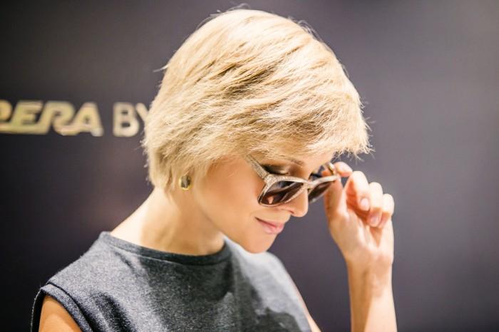 darya kamalova thecablook com fashion blog street style pixie hair cut blonde asos grey gold dress vicini golden heels burberry prosum clutch backstage bracelet Galleria V. Emanuele gallery milan city centre ootd outfit-4 копия