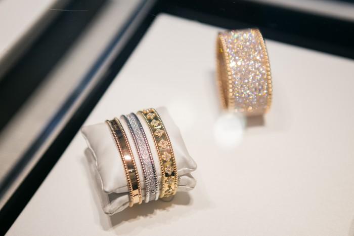 Van Cleef And Arpels Wedding Rings 35 Simple darya kamalova thecablook fashion