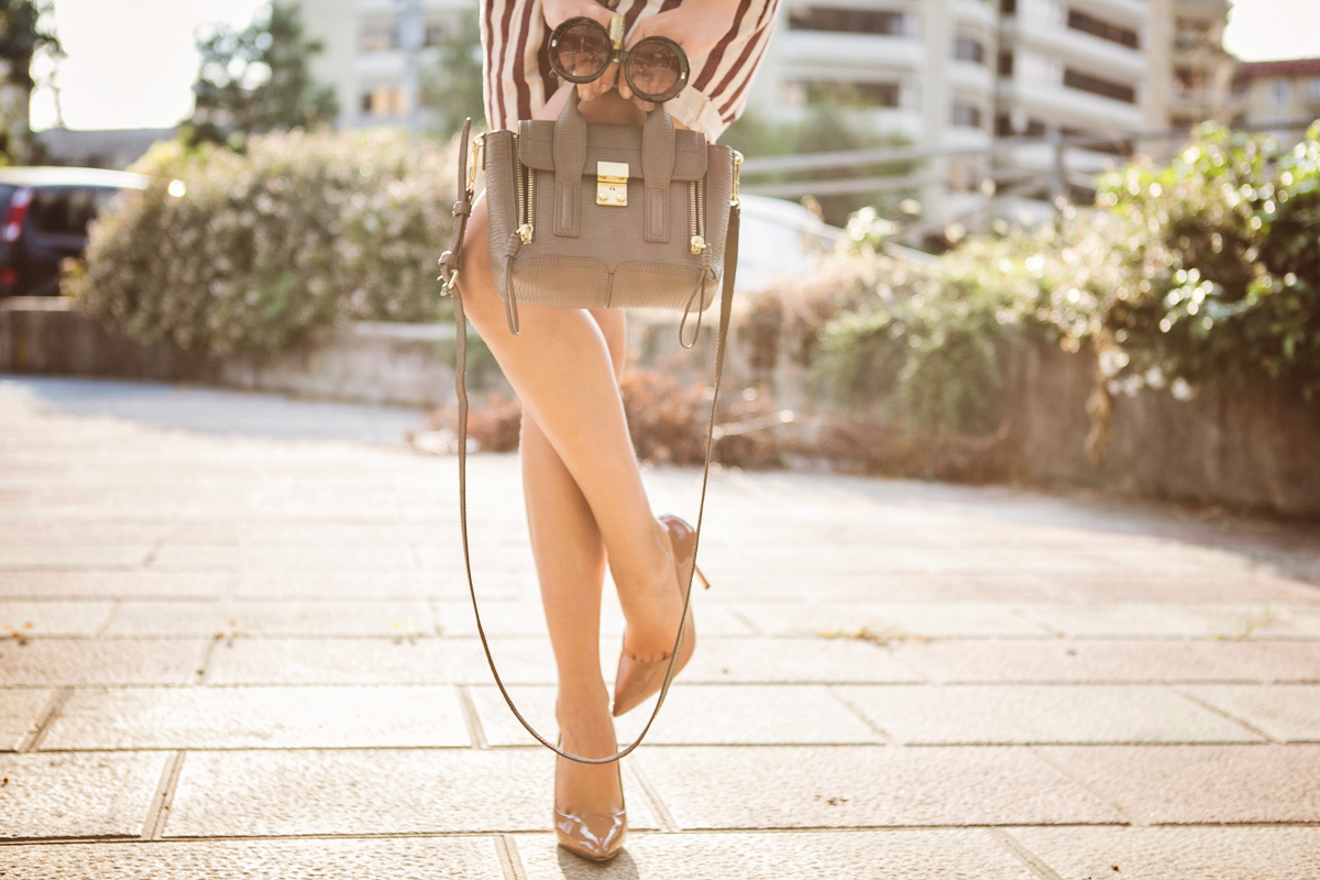 darya kamalova thecablook com fashion blog street style pixie hair cut blonde vj style striped shorts phillip lim 3.1 mini pashli bag taupe floral shirt boutique 9 heels giant vintage sunglasses gogo philip star necklace ootd outfit-39 копия