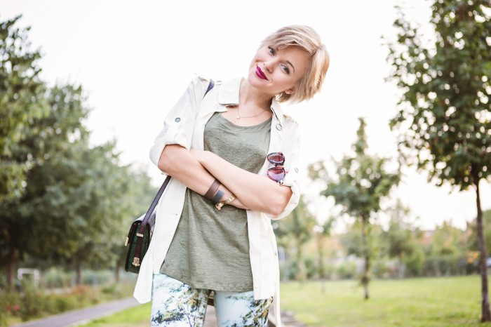 darya kamalova thecablook fashion blog street style pixie hair cut blonde burberry white jacket sheinside pants asos high boots rebecca minkoff bag hm military tank top cooee bracelets ootd outfit-10 копия