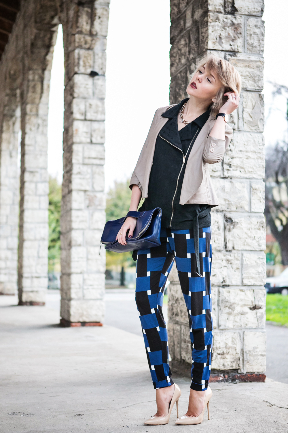 1darya kamalova thecablook fashion blog russian blogger italy moda street style pixie short hair fashion blogger 3 1 PHIPPIP LIM MINUTE BAG NAVY asos pants as by df leather jacket chicwish vest jimmy choo anouk nude heels daniel wellington watches-10