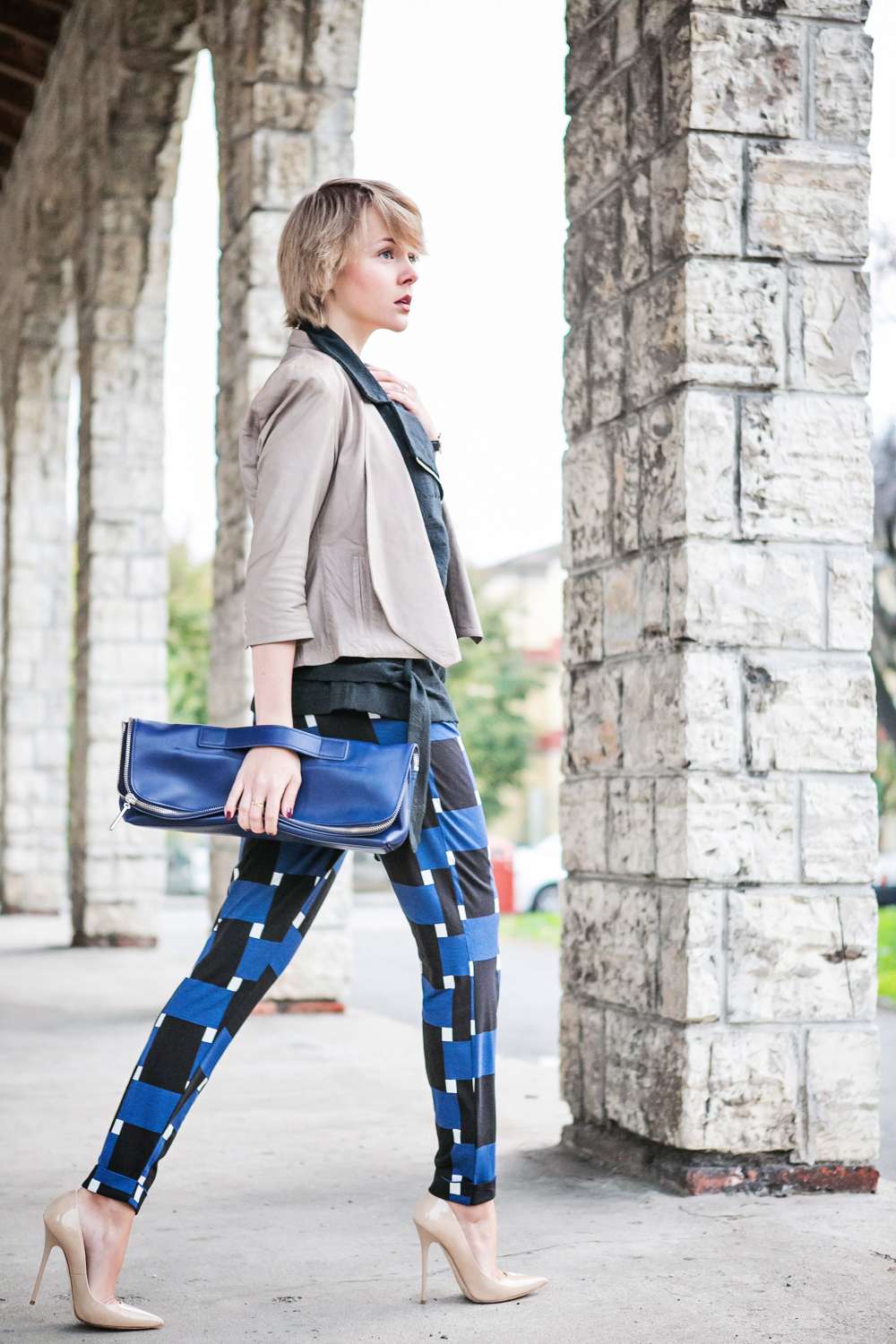 1darya kamalova thecablook fashion blog russian blogger italy moda street style pixie short hair fashion blogger 3 1 PHIPPIP LIM MINUTE BAG NAVY asos pants as by df leather jacket chicwish vest jimmy choo anouk nude heels daniel wellington watches-14