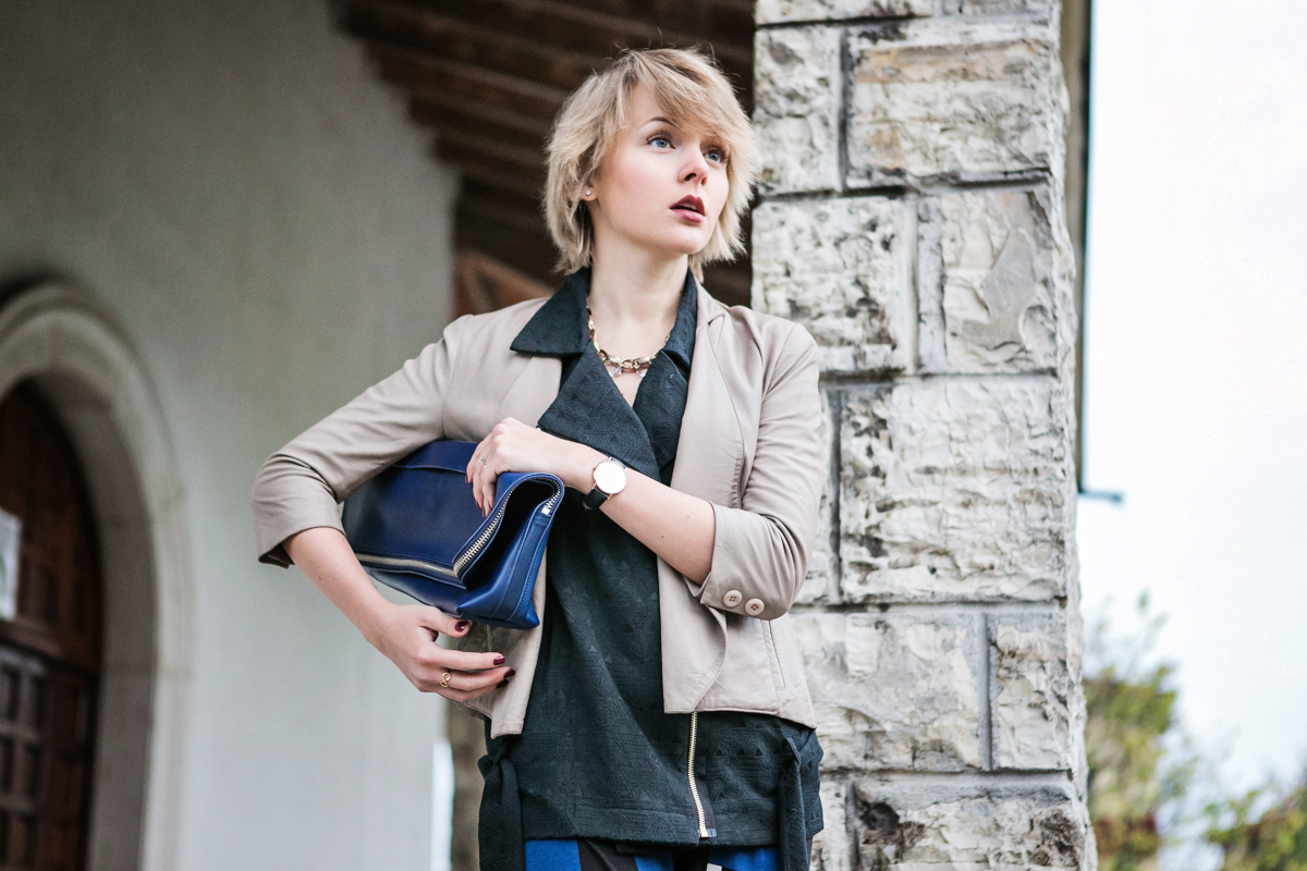 1darya kamalova thecablook fashion blog russian blogger italy moda street style pixie short hair fashion blogger 3 1 PHIPPIP LIM MINUTE BAG NAVY asos pants as by df leather jacket chicwish vest jimmy choo anouk nude heels daniel wellington watches-27