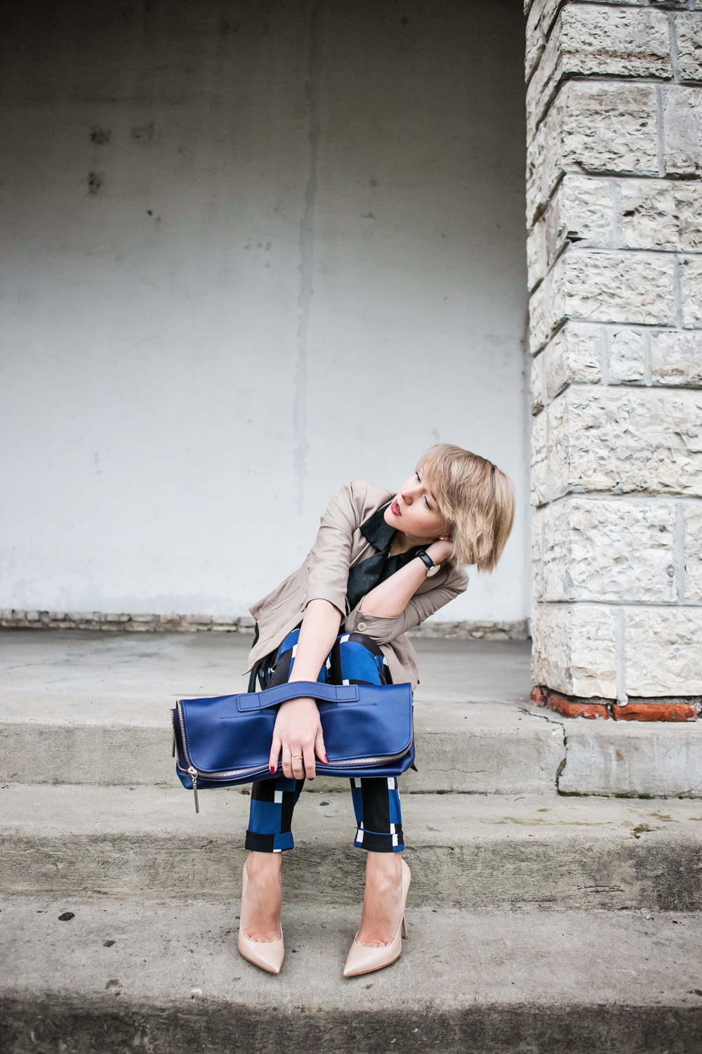 1darya kamalova thecablook fashion blog russian blogger italy moda street style pixie short hair fashion blogger 3 1 PHIPPIP LIM MINUTE BAG NAVY asos pants as by df leather jacket chicwish vest jimmy choo anouk nude heels daniel wellington watches-39