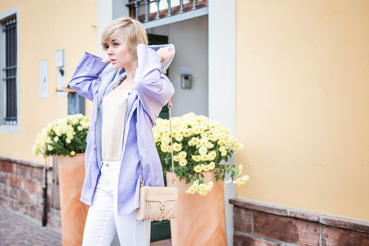 1darya kamalova thecablook fashion blog russian blogger italy moda street style pixie short hair fashion blogger infiniteen double jacket pastel colour outfit asos white denim jeans rebecca minkoff mini mac bag pink shoes flat stefanet beige top-11