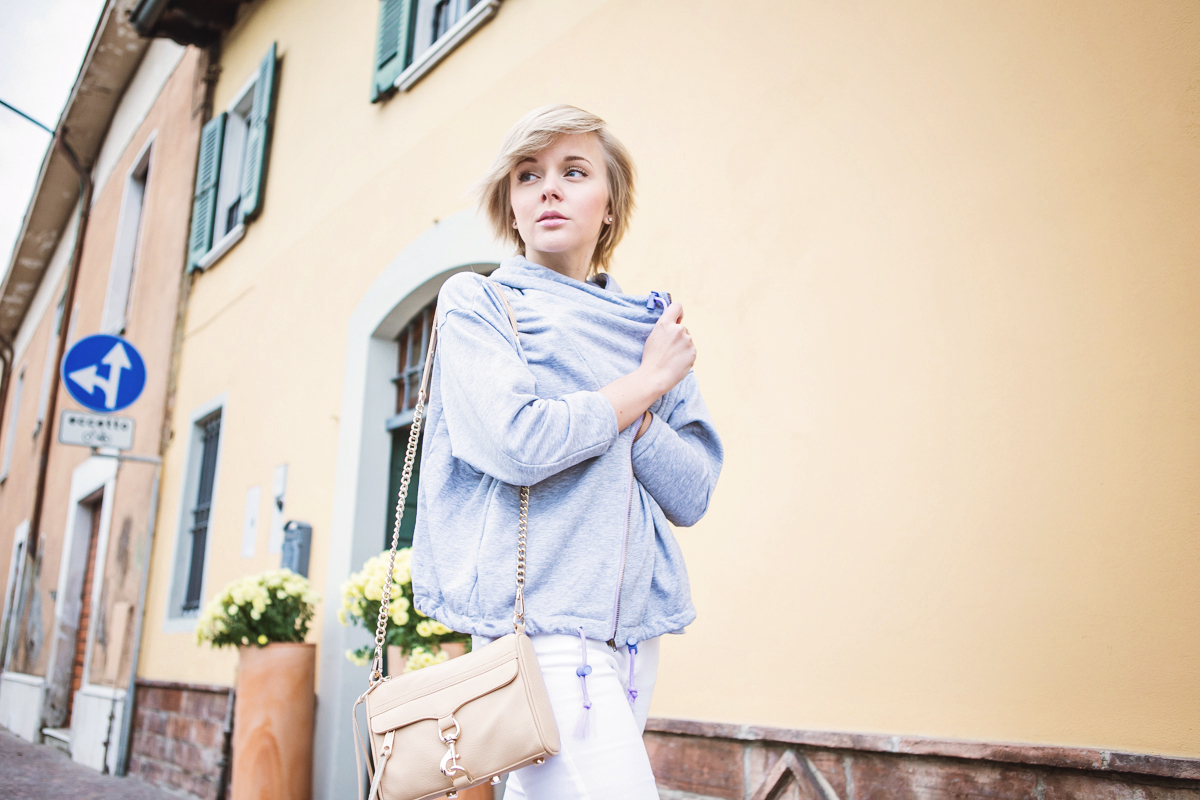 1darya kamalova thecablook fashion blog russian blogger italy moda street style pixie short hair fashion blogger infiniteen double jacket pastel colour outfit asos white denim jeans rebecca minkoff mini mac bag pink shoes flat stefanet beige top-23