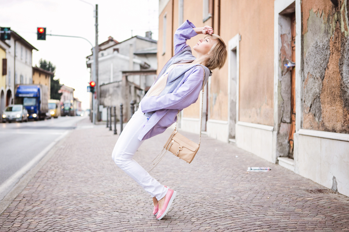 1darya kamalova thecablook fashion blog russian blogger italy moda street style pixie short hair fashion blogger infiniteen double jacket pastel colour outfit asos white denim jeans rebecca minkoff mini mac bag pink shoes flat stefanet beige top-4