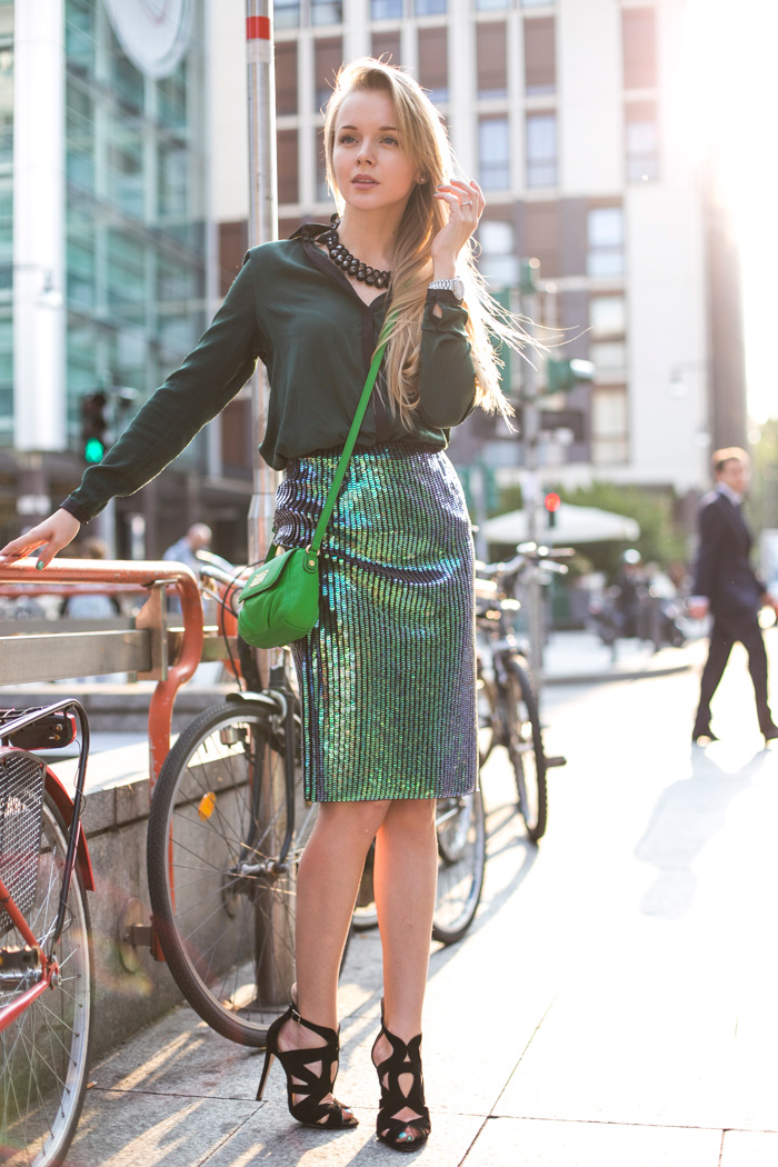 11thecablook-darya-kamalova-fashion-blog-street-style-romwe-shirt-zara-black-heels-sandals-marc-jacobs-green-shoulder-bag-safilo-event-hm-mermaid-skirt-29