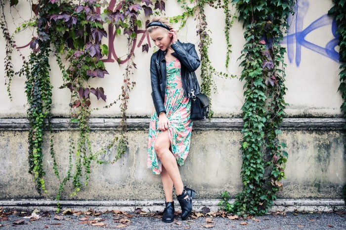 darya kamalova thecablook fashion blog street style outfit ootd pixie short hair russian blogger italy asos flower dress bershka cut out boots baldinini leather biker jacket proenza schouler ps11 bag unfinity ring-34 копия