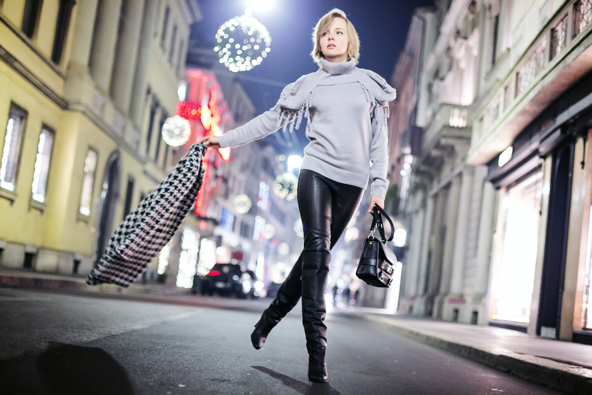 thecablook darya kamalova fashion blog street style outfit short hair blogger sheinside grey sweater hm paris collection over knee boots asbydf leather pants leggings proenza schouler ps11 bag pixie haircut-28 copy