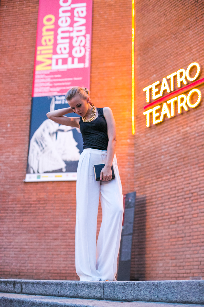 thecablook darya kamalova fashion blog street style zara white palazzo pantaloni pants black tank top dolce and gabbana chioce clutch sabo skirt necklace zara shoes golden heel piccolo teatro milano milan-19