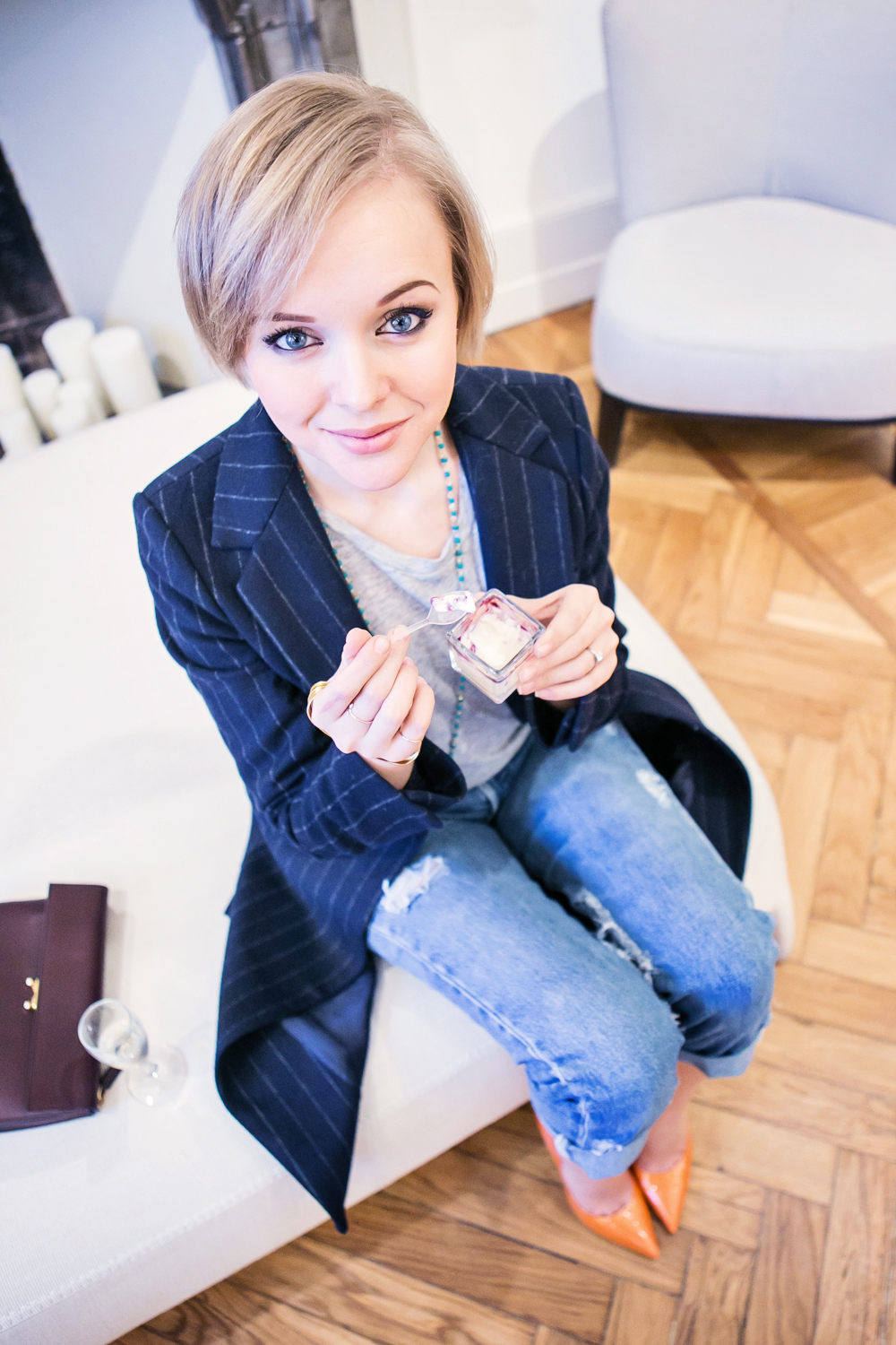 1thecablook darya kamalova russian italian fashion blogger blonde short hair pixie cut street style milan fashion week mfw aw14 15 ports show afterdrk first row zara coat casadei heels marni clutch malo presentation obika bar milano-14