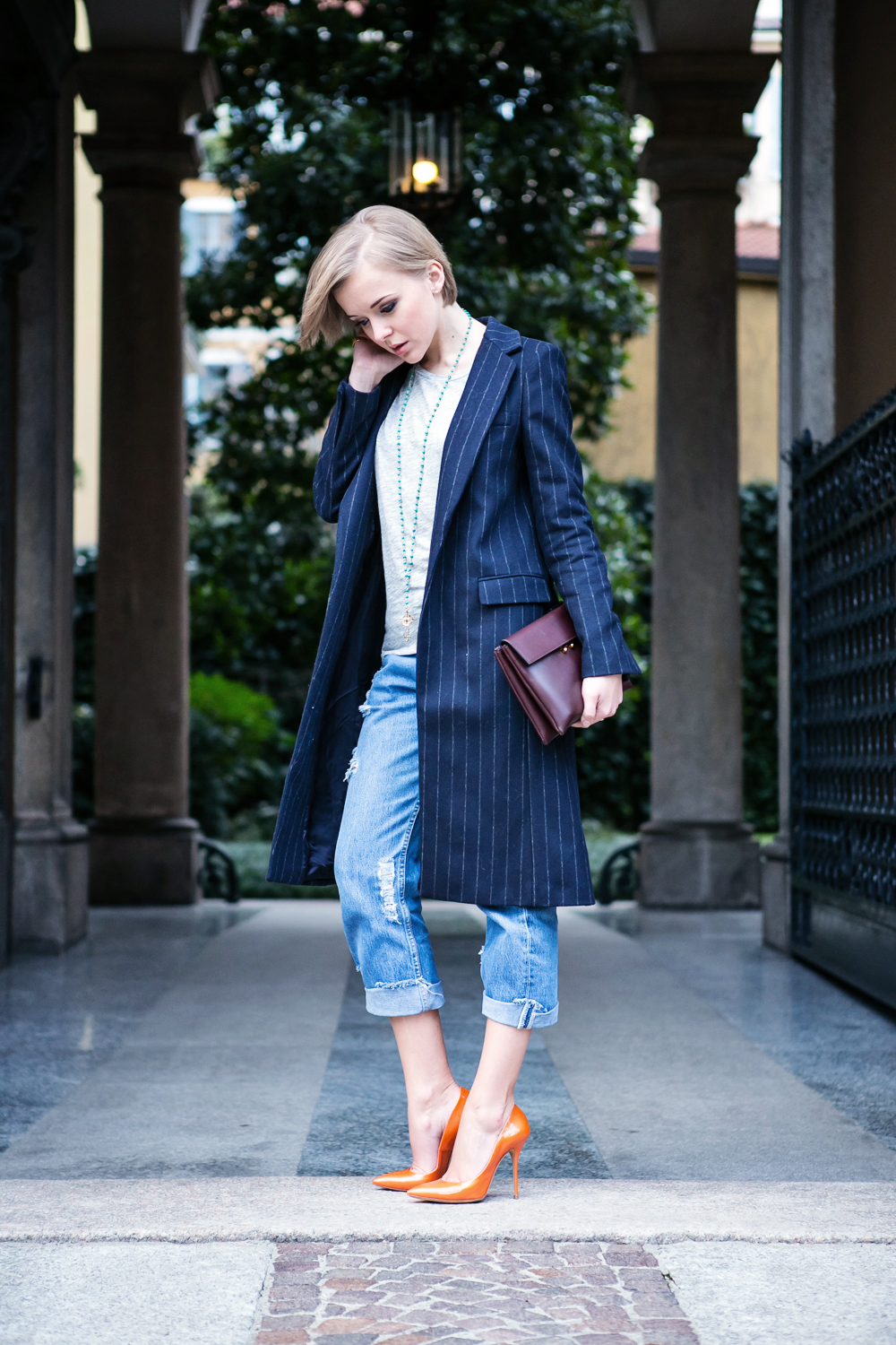 1thecablook darya kamalova russian italian fashion blogger blonde short hair pixie cut street style milan fashion week mfw aw14 15 ports show afterdrk first row zara coat casadei heels marni clutch malo presentation obika bar milano-35