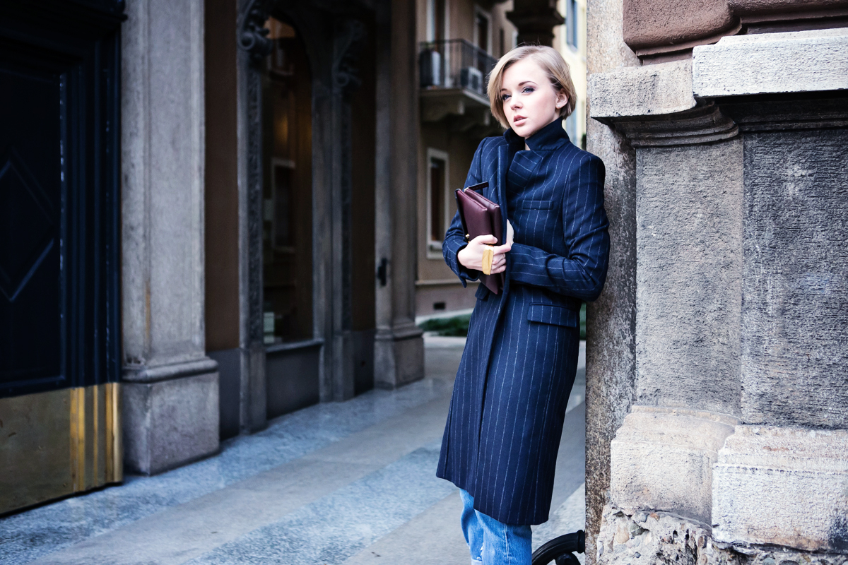 1thecablook darya kamalova russian italian fashion blogger blonde short hair pixie cut street style milan fashion week mfw aw14 15 ports show afterdrk first row zara coat casadei heels marni clutch malo presentation obika bar milano-50